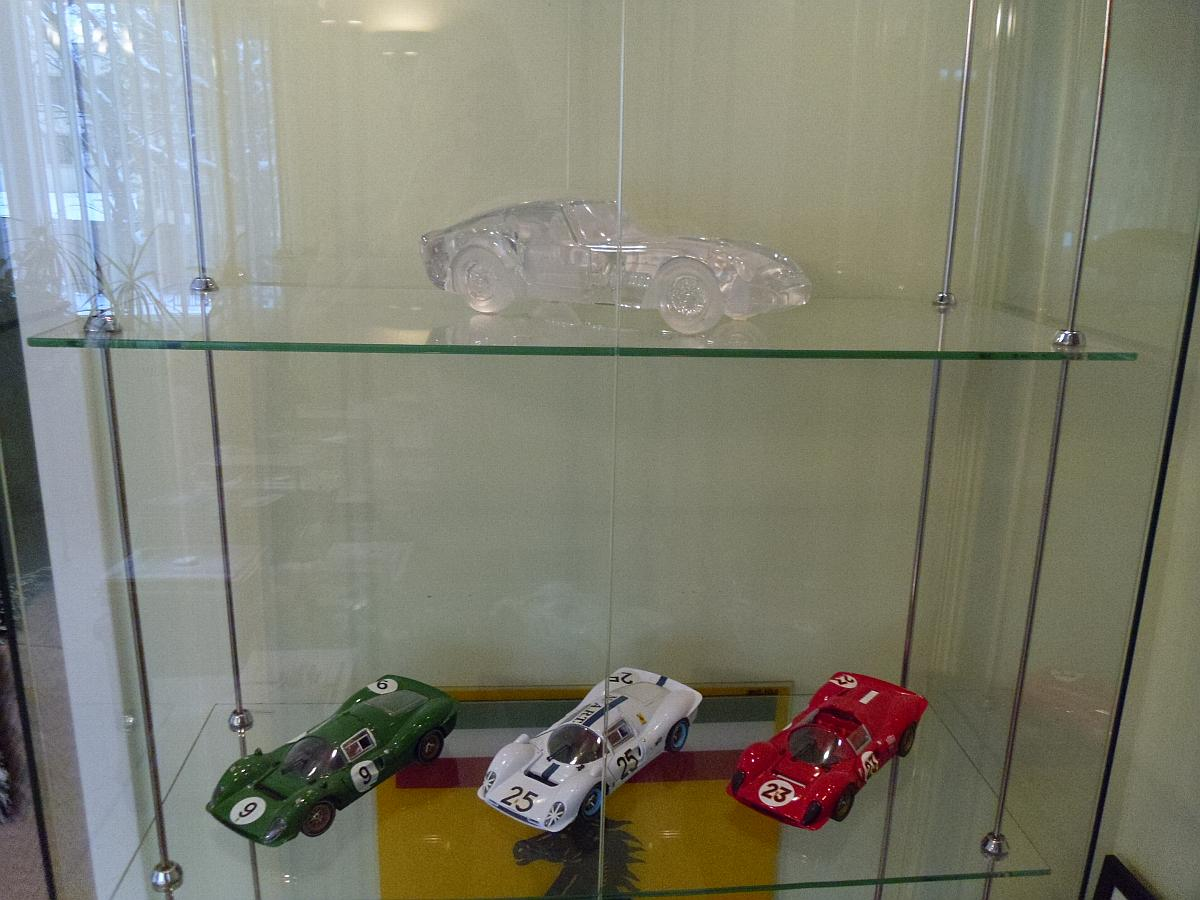 Ferrari 250 GTO by Daum Crystal - P3/4 Tricolore by Jouef